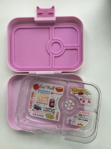 Yumbox bento kids lunchbox with four compartments
